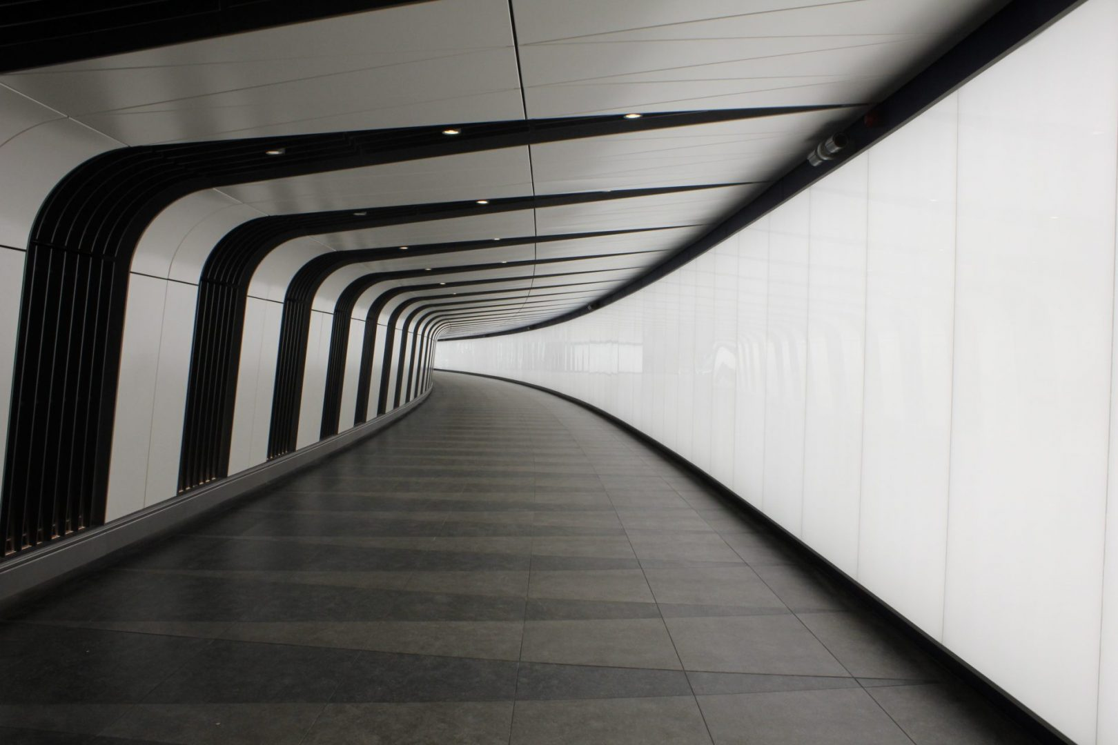 Kings Cross Tunnel Light Wall | specialist lighting installation | The Light Lab