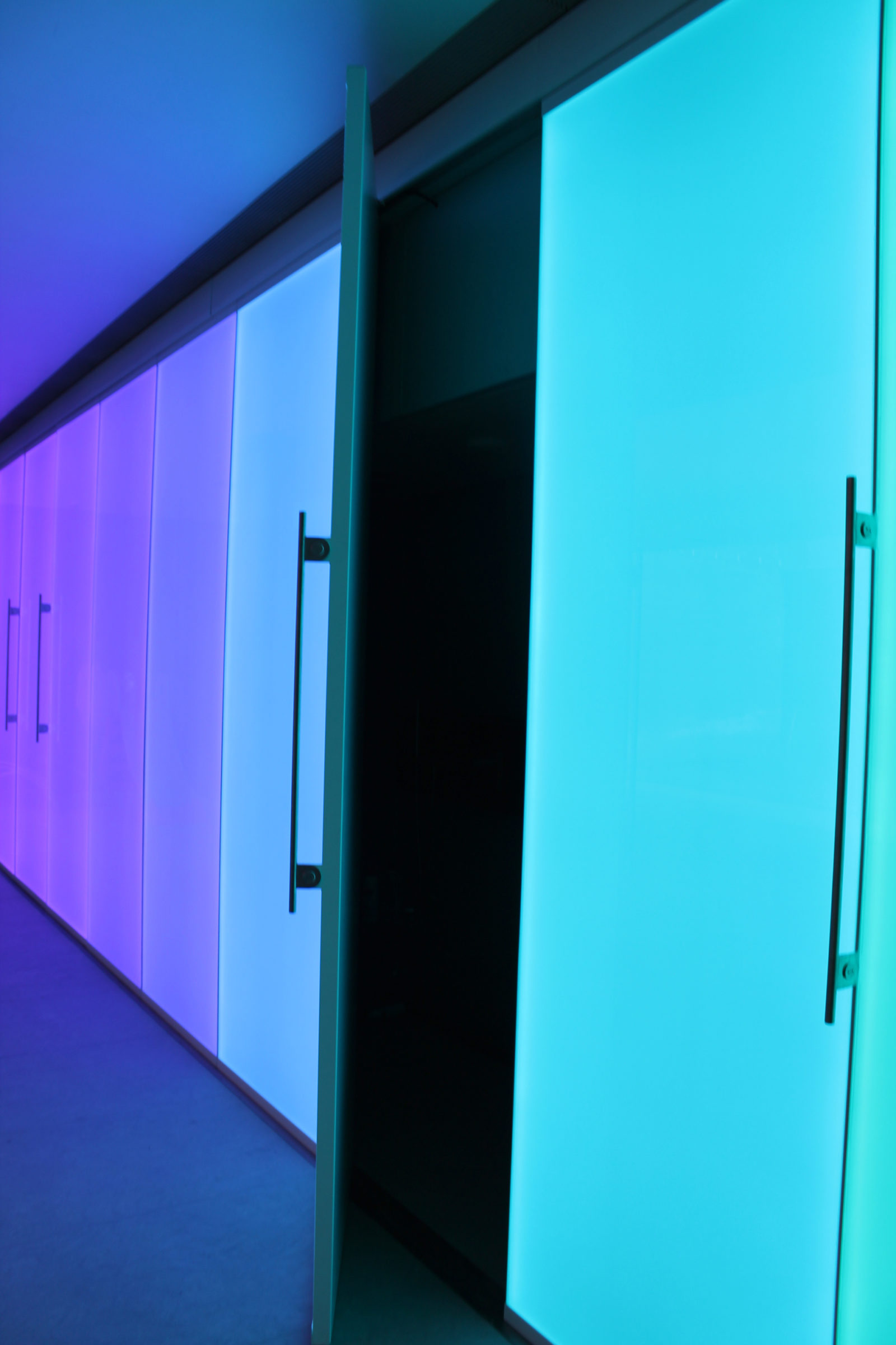 Bespoke swimming pool lighting | private residential lighting | the light lab