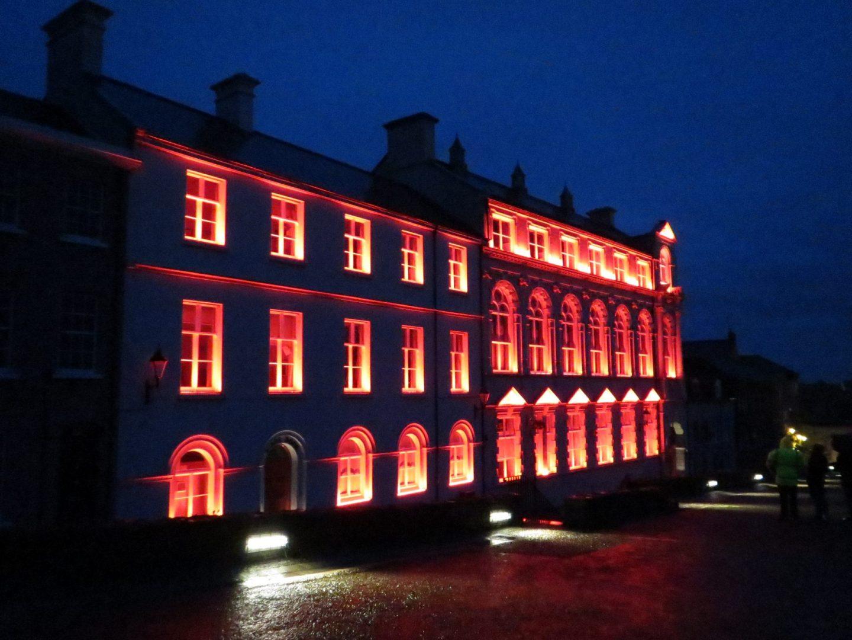 Derry Playhouse   Exterior lighting   The Light Lab