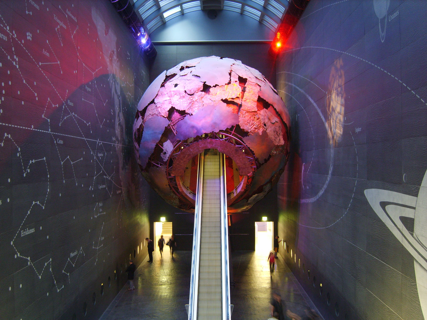 Bespoke Lighting | Natural History Museum, London | Light Lab